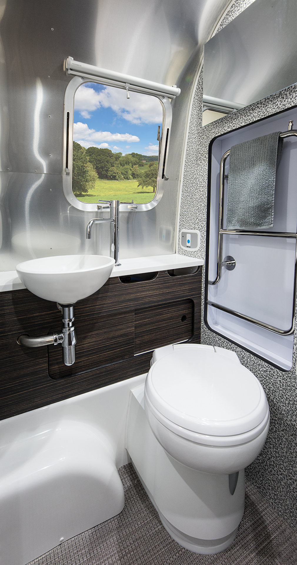 2021Airstream604-bad2