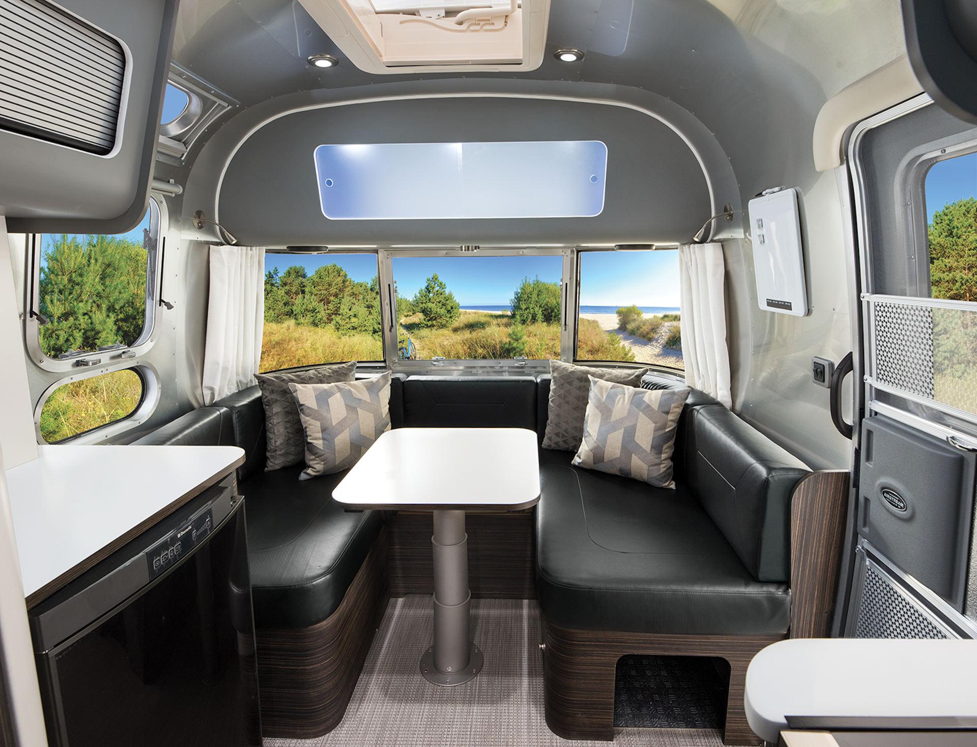 Airstream 534 Facelift Blick nach vorne